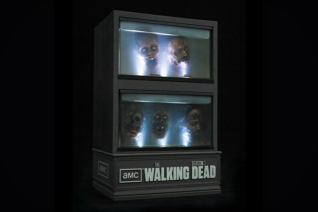 THE WALKING DEAD SEASON 3 LIMITED EDITION SET