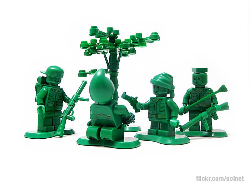 Toys of War-レゴで戦争の怖さと人間の残忍性を表現