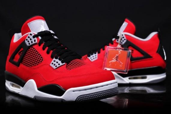 "AIR Jordan IV ""Fire Red Nubuck"""