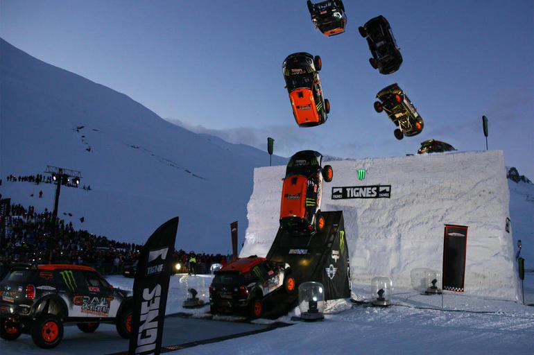 雪上ビックキッカーでMINIでバックフリップ成功