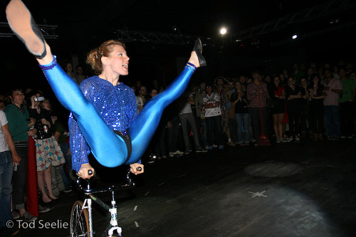 Ines Brunn-Fixed Gear Bike Acrobatics