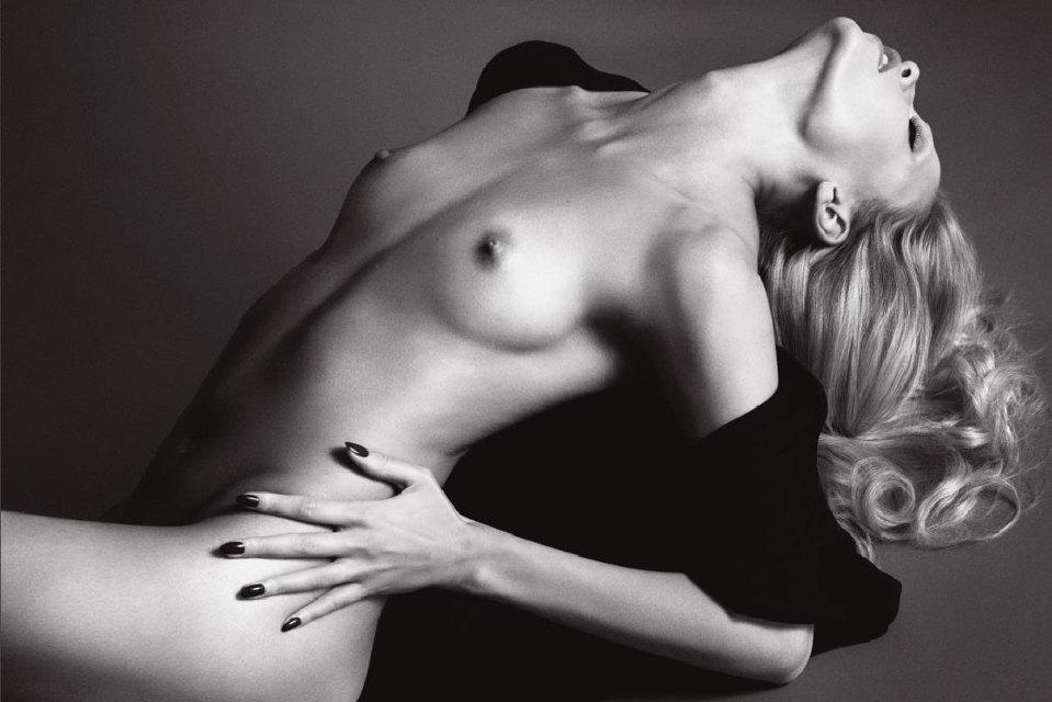 トップモデル、ナターシャ・ポーリー出産後初のヌード写真が美し過ぎる