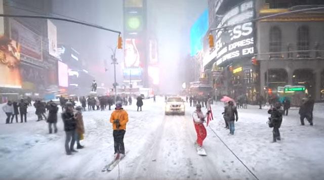 ニューヨークで68センチの積雪を記録!ってことで街に出てスノーボードしたら大歓声
